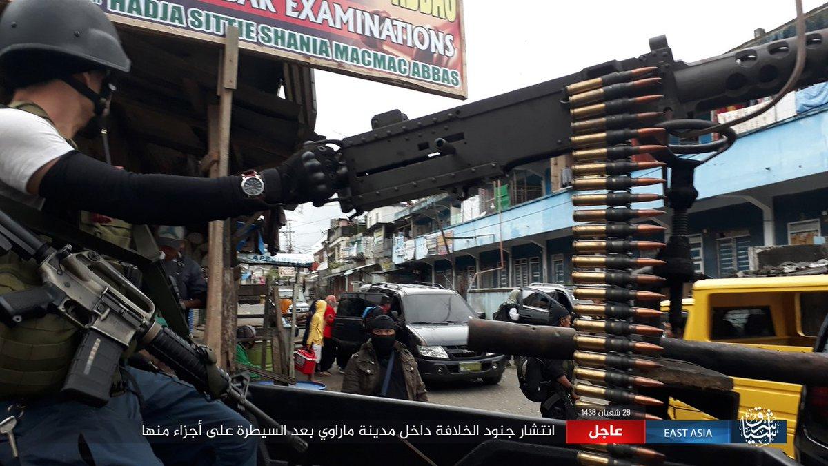 ΕΚΤΑΚΤΟ – Χαλέπι Νο 2 στις Ν.Φιλιππίνες – Εκλιπαρεί τον Β.Πούτιν για βοήθεια ο Ρ.Ντουτέρτε: «Δέχομαι εισβολή τζιχαντιστών από όλες τις χώρες του κόσμου» -Υψώθηκαν σημαίες του ISIS – Αγριες συγκρούσεις και αποκεφαλισμοί – Δείτε βίντεο - Εικόνα26