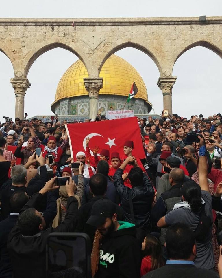 ΕΚΤΑΚΤΟ- Αγριο ξύλο και συλλήψεις Τούρκων στην Ιερουσαλήμ – Απασφάλισε το Ισραήλ – Νέα υπόθεση Μαβί Μαρμαρά – Δείτε το Βίντεο - Εικόνα2