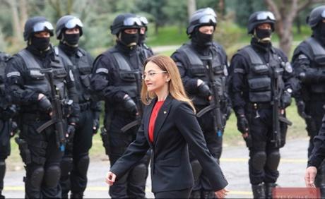 ΕΚΤΑΚΤΟ: Δυνάμεις της KFOR εγκαταλείπουν το Κοσσυφοπέδιο και κατευθύνονται προς Θεσ/κη και ΠΓΔΜ – Πρώτη ένοπλη σύγκρουση στα Σκόπια – Μετακινεί πυραυλικά συστήματα στα σύνορα η Σερβία - Εικόνα2