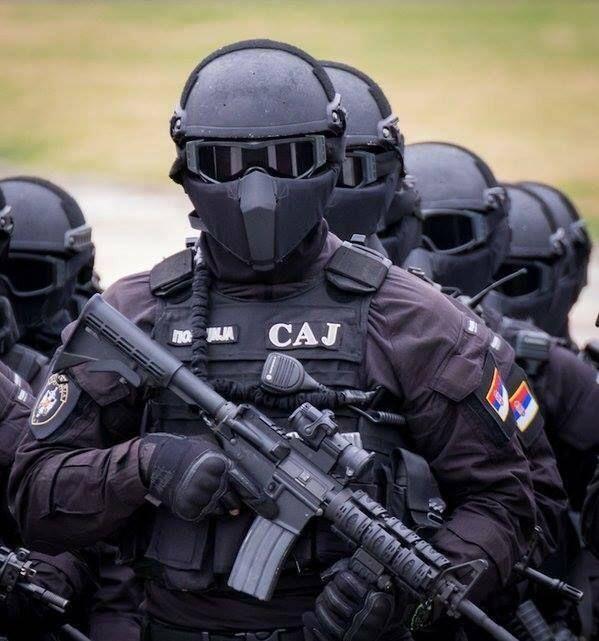ΕΚΤΑΚΤΟ-Ειδικές δυνάμεις της αλβανικής αστυνομίας του Κοσσυφοπεδίου «εισήλθαν» στο βόρειο Σερβικό τομέα! Αποδεσμεύτηκαν οι κανόνες εμπλοκής για τους Σέρβους - Εικόνα1