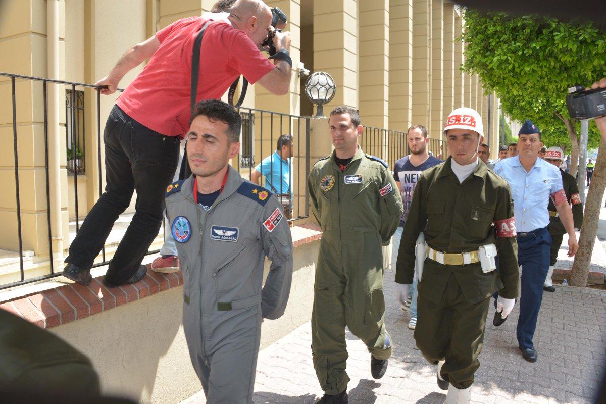 EKTAKTO: Συνελήφθη ο Διοικητής της ΝΑΤΟϊκής βάσης του Ιντσιρλίκ – Φήμες ότι αναζητούνται και Αμερικανοί στρατιώτες (εικόνες-βίντεο) - Εικόνα1