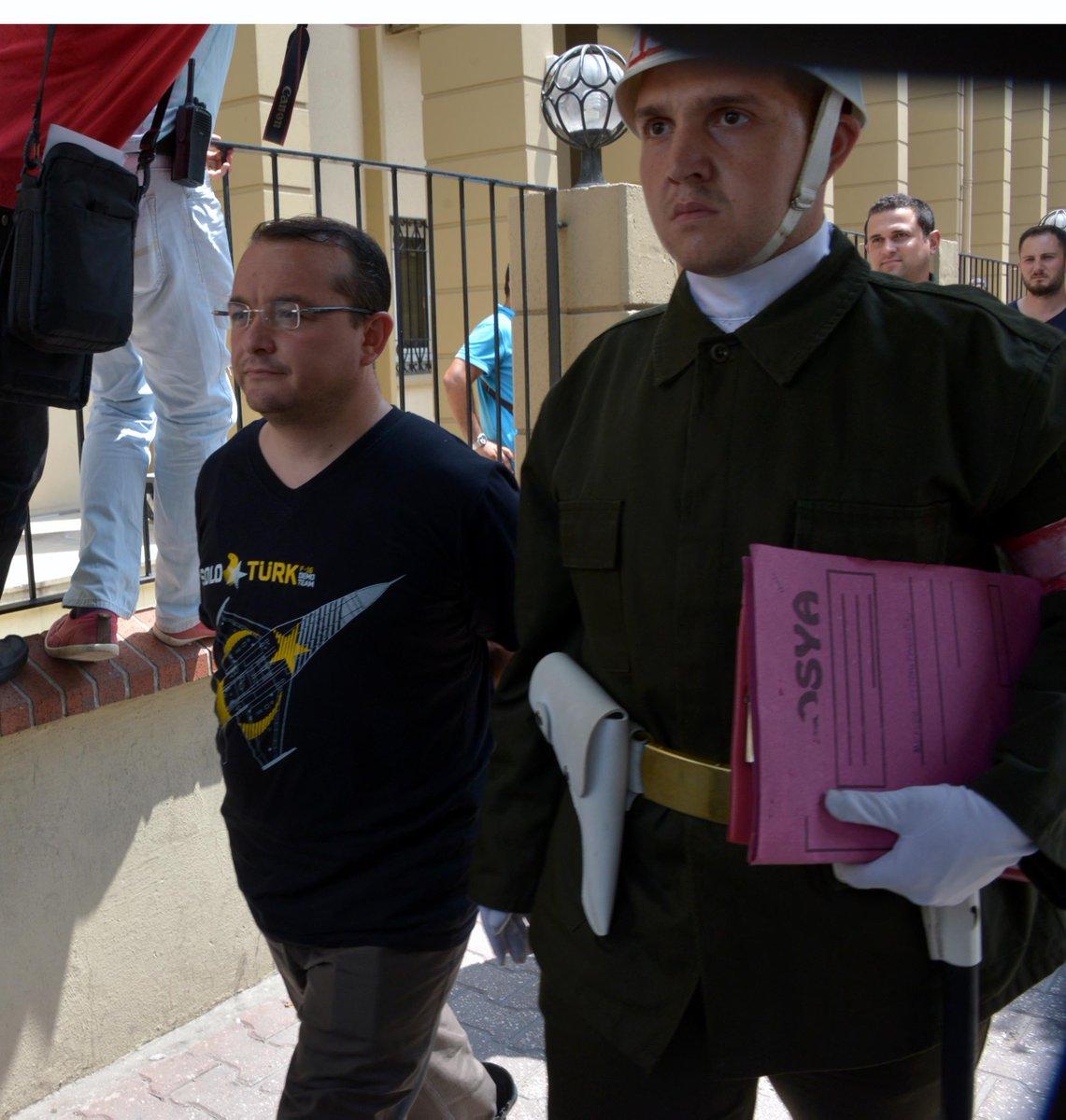 EKTAKTO: Συνελήφθη ο Διοικητής της ΝΑΤΟϊκής βάσης του Ιντσιρλίκ – Φήμες ότι αναζητούνται και Αμερικανοί στρατιώτες (εικόνες-βίντεο) - Εικόνα2