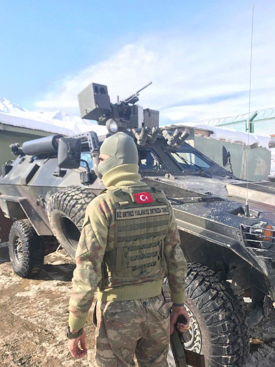ΕΚΤΑΚΤΟ: Συροτουρκικός πόλεμος σε εξέλιξη – Και νέος βομβαρδισμός εναντίον τουρκικού στρατώνα – Η Ρωσία απέστειλε 50 πυραύλους «Tochka-U» και Iskander στη Συρία (βίντεο, εικόνες) - Εικόνα14