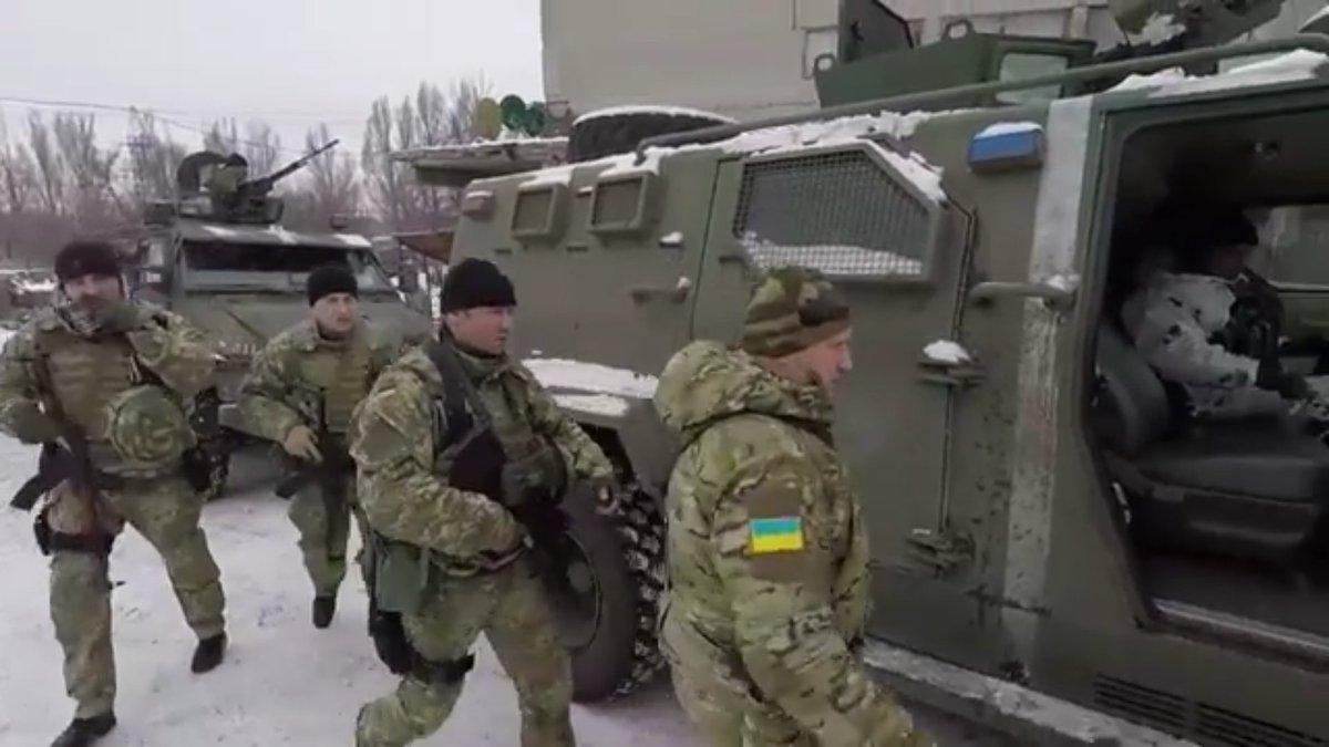 EKTAKTO: Χτύπησαν την Ρωσία τις Άγιες μέρες των Χριστουγέννων – Ξεκίνησε αιφνιδιαστικά πόλεμο στο Ντεμπάλτσεβο το Κίεβο- Αναπτύχθηκε η 45η Αμερικανική Ταξιαρχία Πεζικού στην Ουκρανία (εικόνες, βίντεο) - Εικόνα3