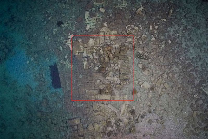 Εντυπωσιακές εικόνες από το αρχαίο λιμάνι στο Λέχαιο: Τι ανακάλυψαν οι αρχαιολόγοι - Εικόνα 0