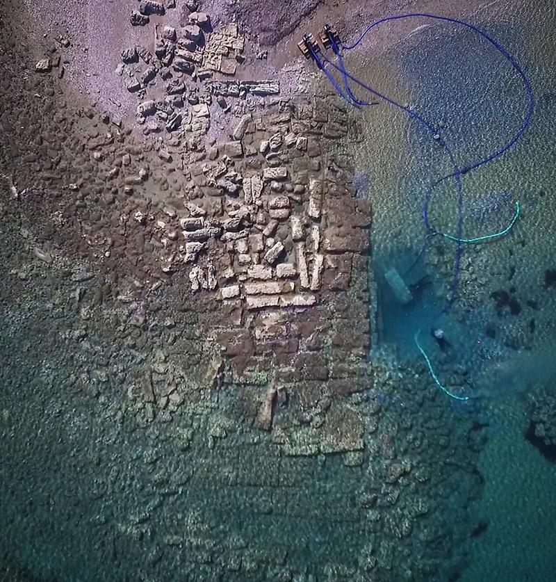 Εντυπωσιακές εικόνες από το αρχαίο λιμάνι στο Λέχαιο: Τι ανακάλυψαν οι αρχαιολόγοι - Εικόνα 2
