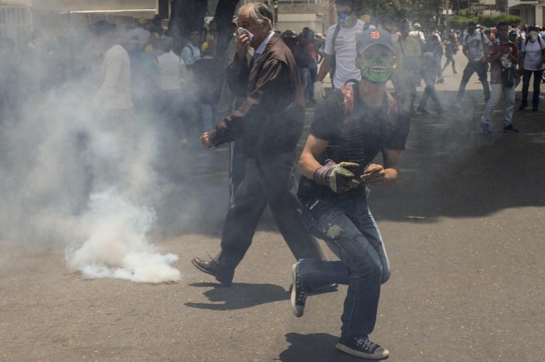 Νέα επεισόδια στη Βενεζουέλα: Δακρυγόνα από την αστυνομία εναντίον διαδηλωτών - Εικόνα 0