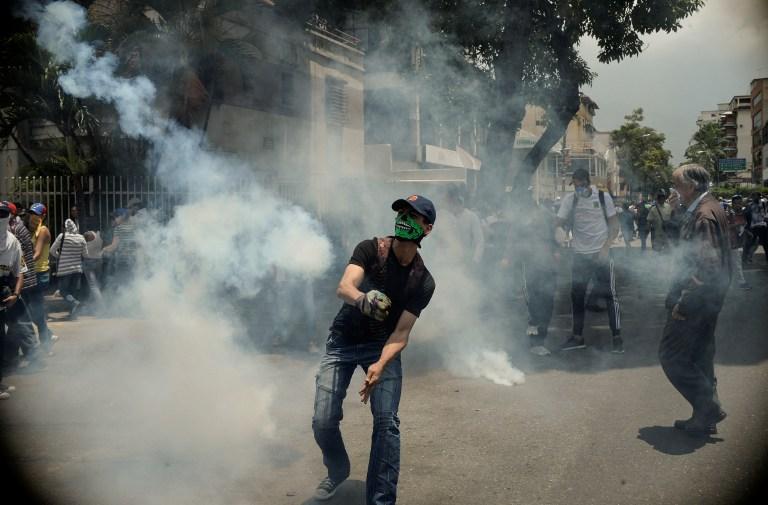 Νέα επεισόδια στη Βενεζουέλα: Δακρυγόνα από την αστυνομία εναντίον διαδηλωτών - Εικόνα 1