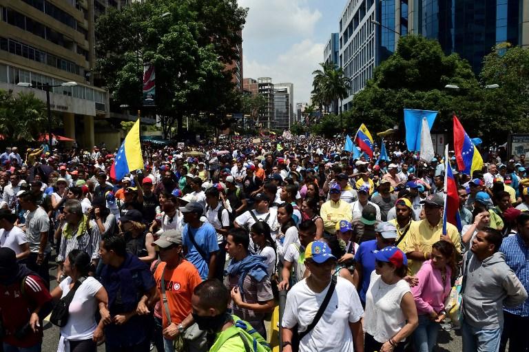 Νέα επεισόδια στη Βενεζουέλα: Δακρυγόνα από την αστυνομία εναντίον διαδηλωτών - Εικόνα 3