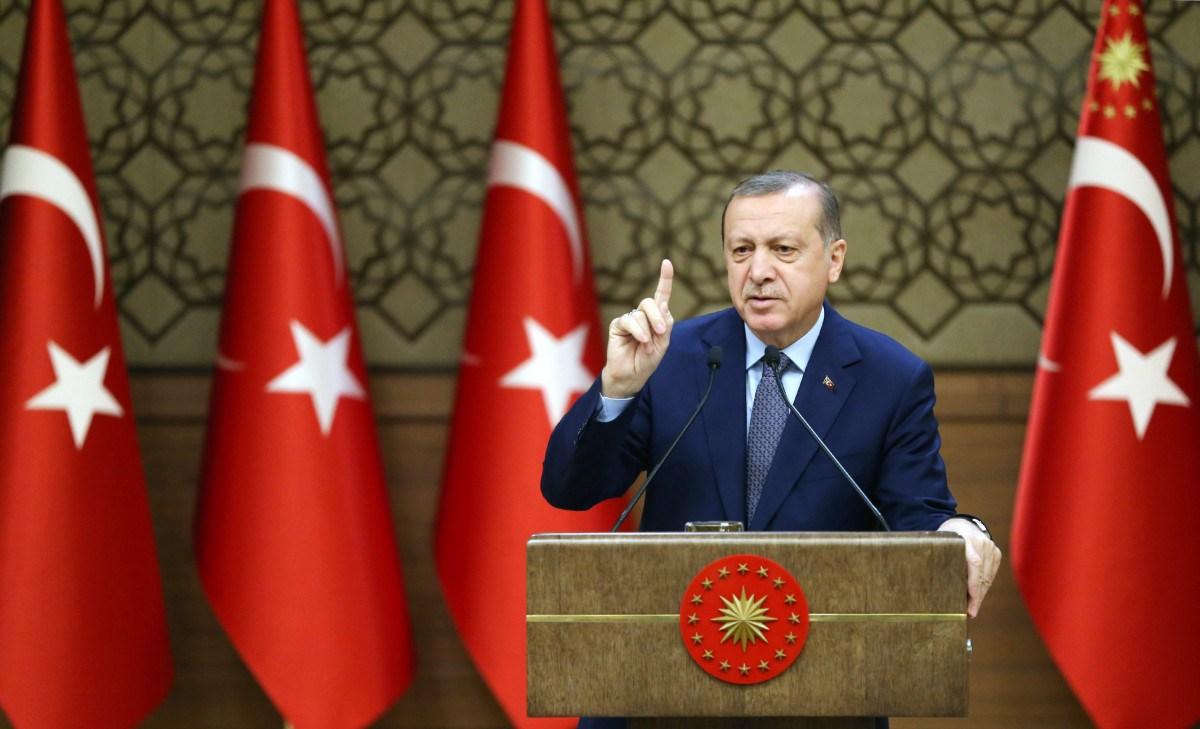 Ο Ερντογάν θέλει να γίνει χαλίφης της Νέας Μέσης Ανατολής, λέει ο Μάζης: Κίνδυνος για Ελλάδα-Κύπρο - Εικόνα0