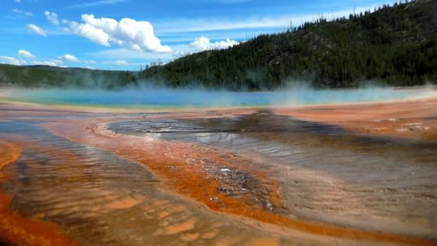 Ερχεται μεγάλη καταστροφή στις ΗΠΑ: «Κουνιέται» συθέμελα το υπερ-ηφαίστειο Yellowstone θέτοντας σε επιφυλακή FEMA και αμερικανικές αρχές για «πυρηνικό χειμώνα» - Εικόνα0