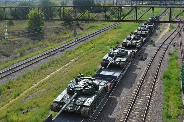 Ετοιμη για την ολική ανάφλεξη η Ρωσία : 200.000 στρατιώτες παρατάχθηκαν κατά μήκος των συνόρων με την Ευρώπη! - Εικόνα0