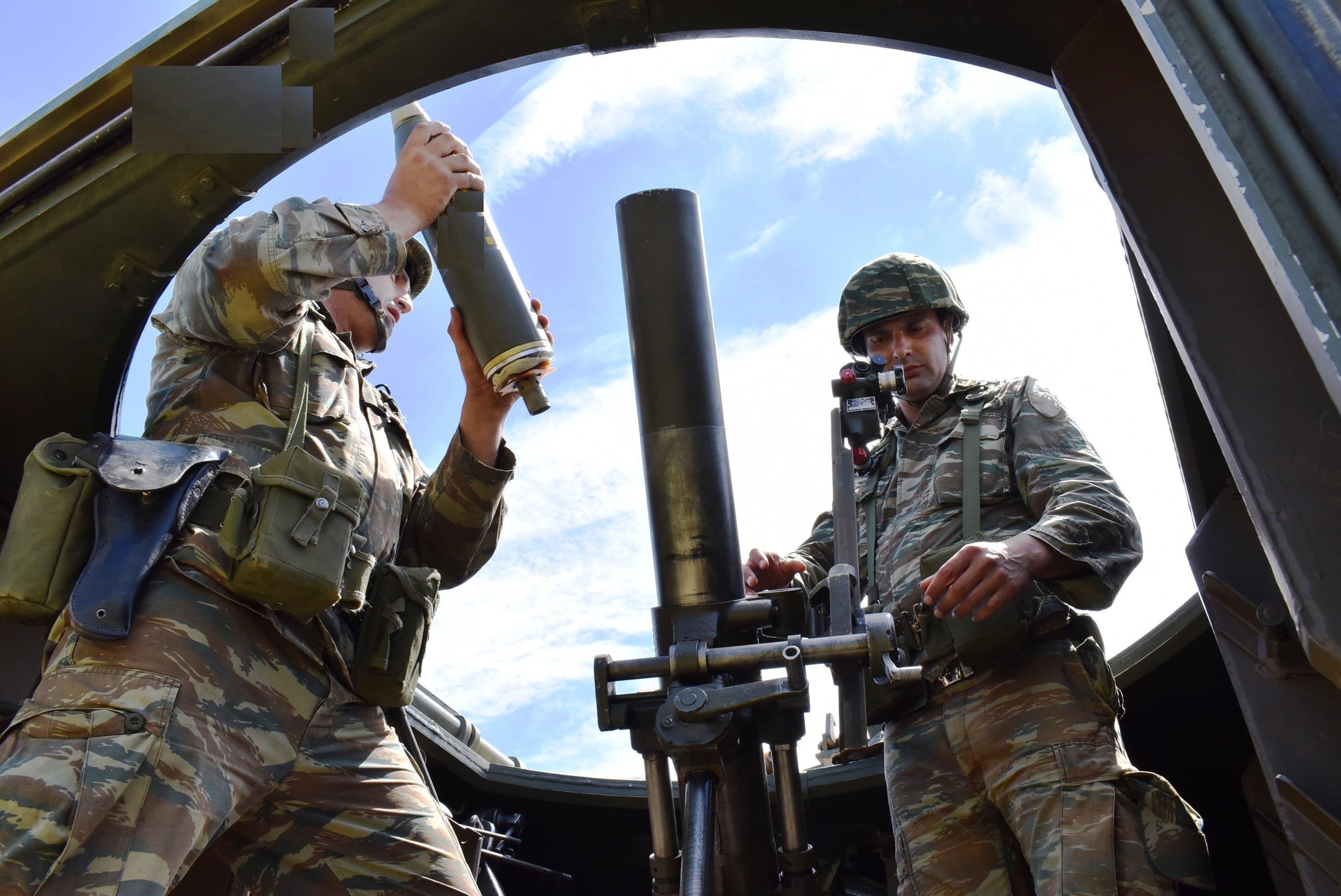 Έτσι εκπαιδεύεται η 1η Στρατιά - Απίστευτα πλάνα - ΦΩΤΟ - Εικόνα16
