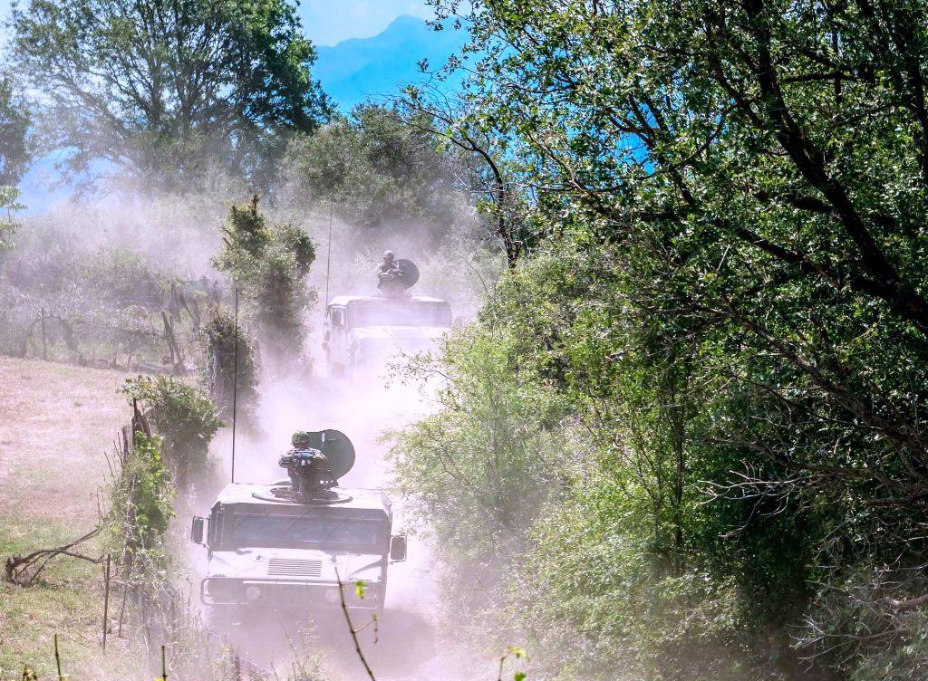 Έτσι εκπαιδεύεται η 1η Στρατιά - Απίστευτα πλάνα - ΦΩΤΟ - Εικόνα19