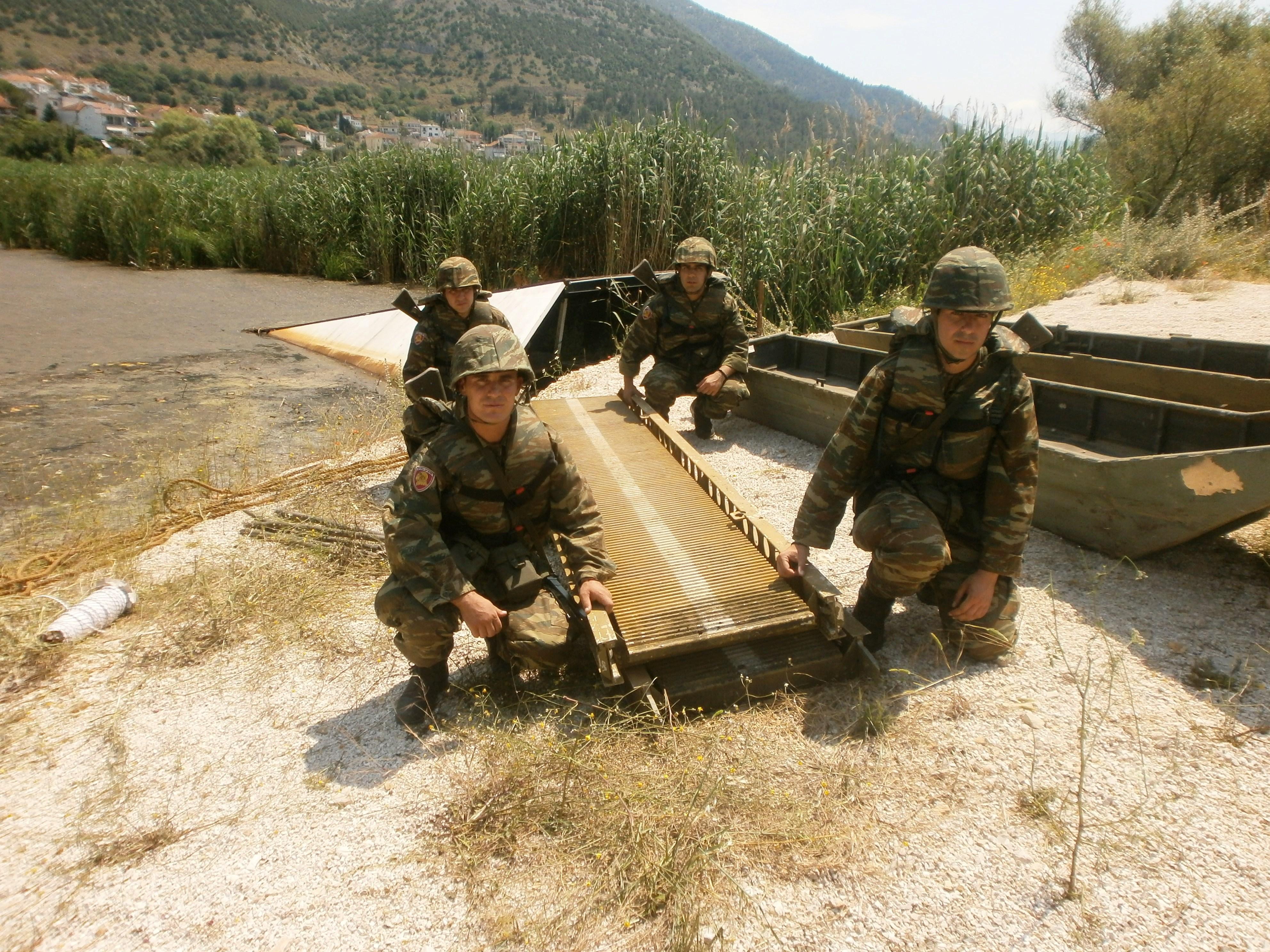 Έτσι εκπαιδεύεται η 1η Στρατιά - Απίστευτα πλάνα - ΦΩΤΟ - Εικόνα21