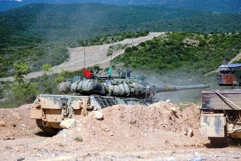 Φωτογραφίες: Εντυπωσιακές βολές αρμάτων μάχης από το Δ΄ Σώμα Στρατού - Εικόνα 2