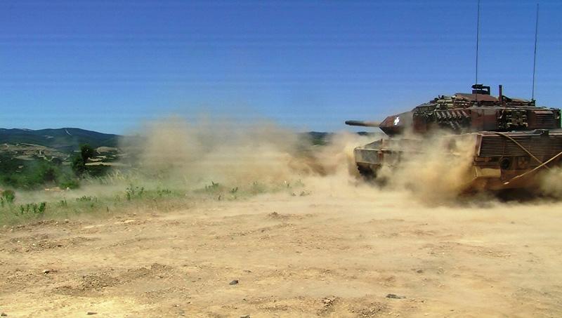 Φωτογραφίες: Εντυπωσιακές βολές αρμάτων μάχης από το Δ΄ Σώμα Στρατού - Εικόνα 7