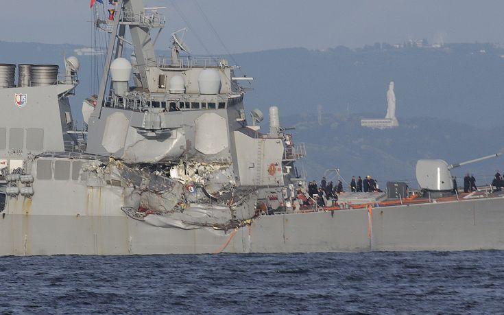 Φωτογραφίες από τη σύγκρουση πλοίων στην Ιαπωνία - Εικόνα2