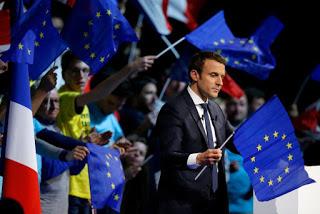 ΓΑΛΛΙΑ: Ο κομμουνιστής Μελανσόν ζήτησε να αφαιρεθεί η σημαία της ΕΕ από την αίθουσα της εθνοσυνέλευσης και ο Μοσκοβισί τον κατηγόρησε για «εθνικισμό»! - Εικόνα1
