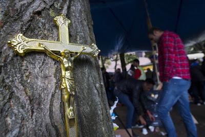 ΓΕΡΜΑΝΙΑ: 12χρονοι μουσουλμάνοι λιθοβόλησαν χριστιανό ορθόδοξο ιερέα - Εικόνα3