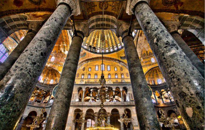 Γιατί άλλαξε γνώμη ο «Σουλτάνος» της Τουρκίας Ερντογάν και δεν προσευχήθηκε στην Αγία Σοφία…Τι ή ποιόν φοβήθηκε; Το μυστηριώδες τηλεφώνημα και οι θρύλοι.. - Εικόνα2