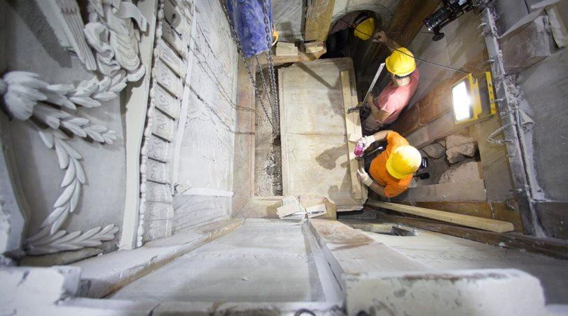 Ιεροσόλυμα: Συγκλονίζουν τα νέα ευρήματα στον Πανάγιο Τάφο - Εικόνα 0
