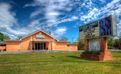 ΗΠΑ: Σουδανός μαύρος ρατσιστής μπήκε σε εκκλησία και άρχισε να θερίζει. Μια γυναίκα νεκρή. (Τι, δεν το πληροφορηθήκατε;) - Εικόνα2
