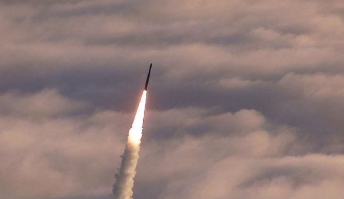 Ο υπουργός Άμυνας Mattis μας δίνει αυτή τη δυσοίωνη προειδοποίηση : Ο πόλεμος στη  Βόρεια Κορέα θα είναι : «Καταστροφικός!»-Σενάριο  'Mad Max'. - Εικόνα1