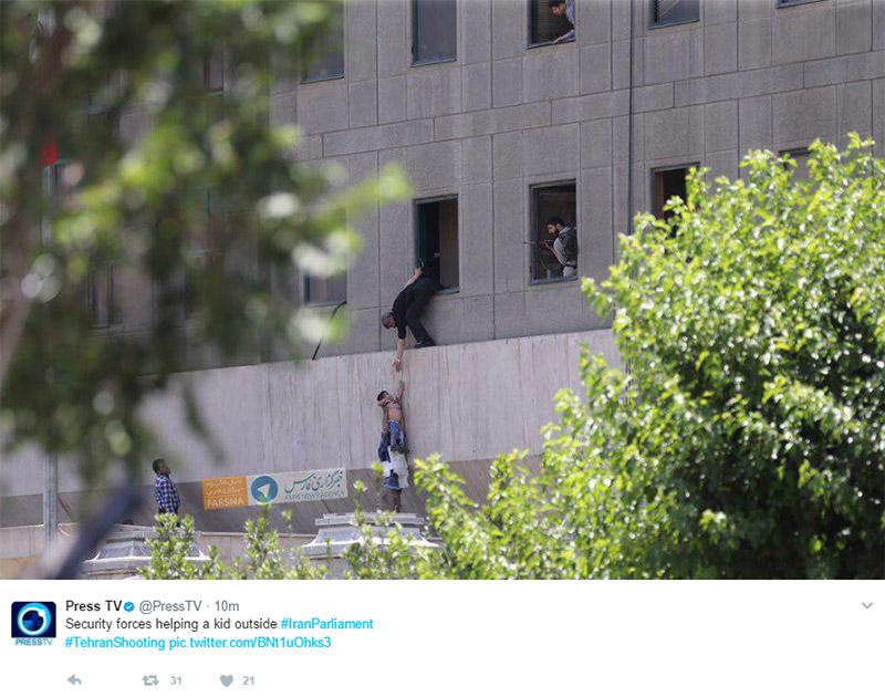 Το Ισλαμικό Κράτος ανέλαβε την ευθύνη για τη διπλή επίθεση στο Ιράν - Εικόνα 1