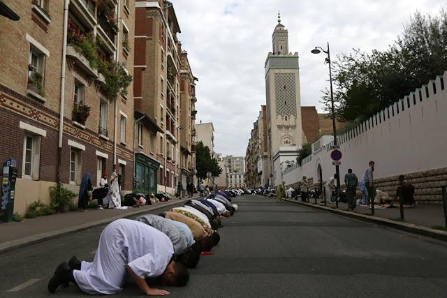 Το Ισλαμικό Χαλιφάτο στην Ευρώπη. Γιατί οι Μουσουλμάνοι στην ΕΕ θα αντικαταστήσουν τους Χριστιανούς - Εικόνα1