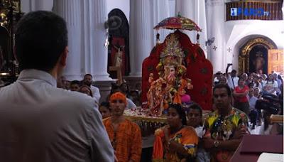 ΙΣΠΑΝΙΑ: Ινδουιστική θεότητα με μορφή ελέφαντα γίνεται δεκτή «με σεβασμό» σε καθολικό ναό - Εικόνα6