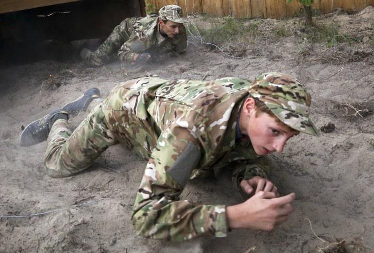 Κάμπινγκ ναζιστών εκπαιδεύει παιδιά «στρατιώτες» στην Ουκρανία. - Εικόνα2