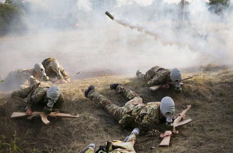 Κάμπινγκ ναζιστών εκπαιδεύει παιδιά «στρατιώτες» στην Ουκρανία. - Εικόνα4