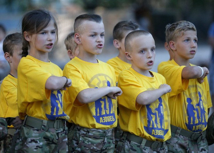 Κάμπινγκ ναζιστών εκπαιδεύει παιδιά «στρατιώτες» στην Ουκρανία. - Εικόνα5