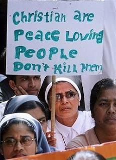 Κεραυνοί καθολικού ιερέα: «Αφήστε τους πασιφισμούς. Οι Χριστιανοί έχουν ηθικό καθήκον να αμυνθούν κατά της τρομοκρατίας» - Εικόνα2