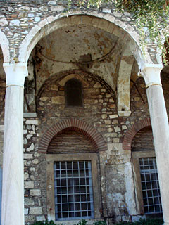 Η κυβέρνηση άνοιξε το «τζαμί του Πορθητή» στην Πλάκα – Συμβολίζει την οθωμανική κατάκτηση της Αθήνας [εικόνες] - Εικόνα4