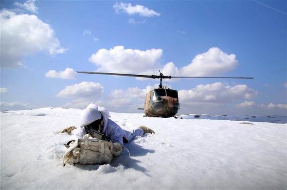 O κύβος ερρίφθη: Ετοιμάζονται για αεραπόβαση σε ελληνικό νησί – Εντατικές ασκήσεις των Τούρκων αλεξιπτωτιστών (εικόνες, βίντεο) - Εικόνα9