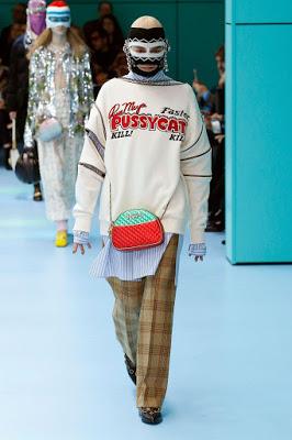 Τι κρύβεται πίσω από την αλλόκοτη cyborg «επίδειξη μόδας» του οίκου Gucci; - Εικόνα9