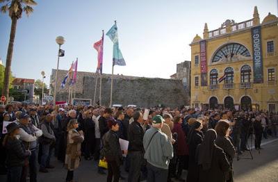 ΚΡΟΑΤΙΑ: Ματαιώνονται οι παραστάσεις εξαιρετικά βλάσφημου θεατρικού «έργου» μετά από έντονες διαμαρτυρίες λαού και εκκλησίας - Εικόνα2