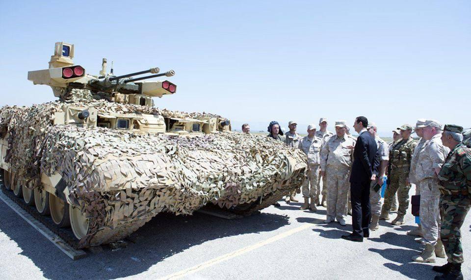 Ξεδιπλώνεται εφιαλτικό σενάριο στη Συρία: Οι ΗΠΑ ετοιμάζονται να κτυπήσουν με κρουζ και το Ισραήλ να εισβάλλει – Στην βάση Hmeymim, Μ.Ασαντ και Ρώσος Α/ΓΕΕΘΑ υποδέχτηκαν τον «Εξολοθρευτή» - Εικόνα11