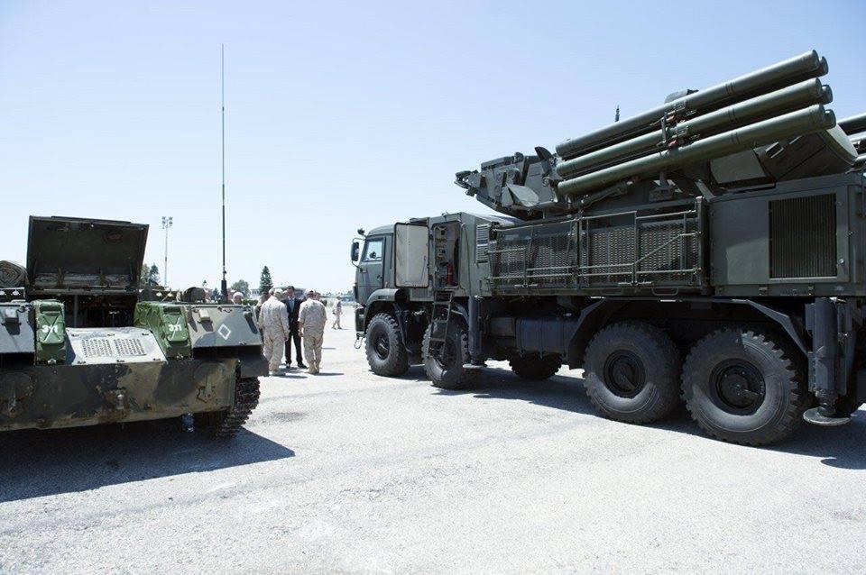 Ξεδιπλώνεται εφιαλτικό σενάριο στη Συρία: Οι ΗΠΑ ετοιμάζονται να κτυπήσουν με κρουζ και το Ισραήλ να εισβάλλει – Στην βάση Hmeymim, Μ.Ασαντ και Ρώσος Α/ΓΕΕΘΑ υποδέχτηκαν τον «Εξολοθρευτή» - Εικόνα15