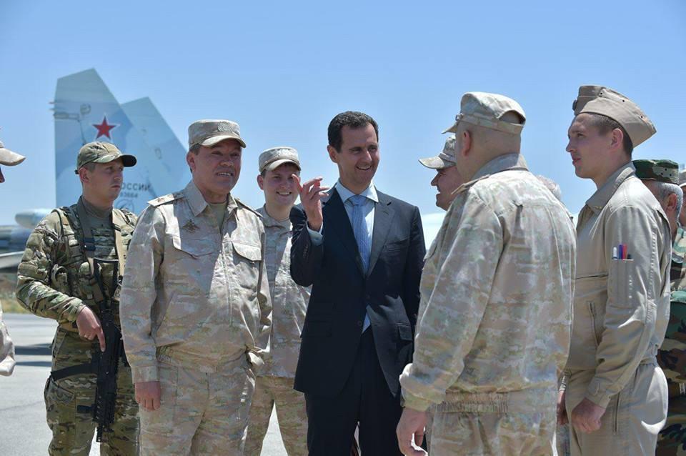Ξεδιπλώνεται εφιαλτικό σενάριο στη Συρία: Οι ΗΠΑ ετοιμάζονται να κτυπήσουν με κρουζ και το Ισραήλ να εισβάλλει – Στην βάση Hmeymim, Μ.Ασαντ και Ρώσος Α/ΓΕΕΘΑ υποδέχτηκαν τον «Εξολοθρευτή» - Εικόνα22