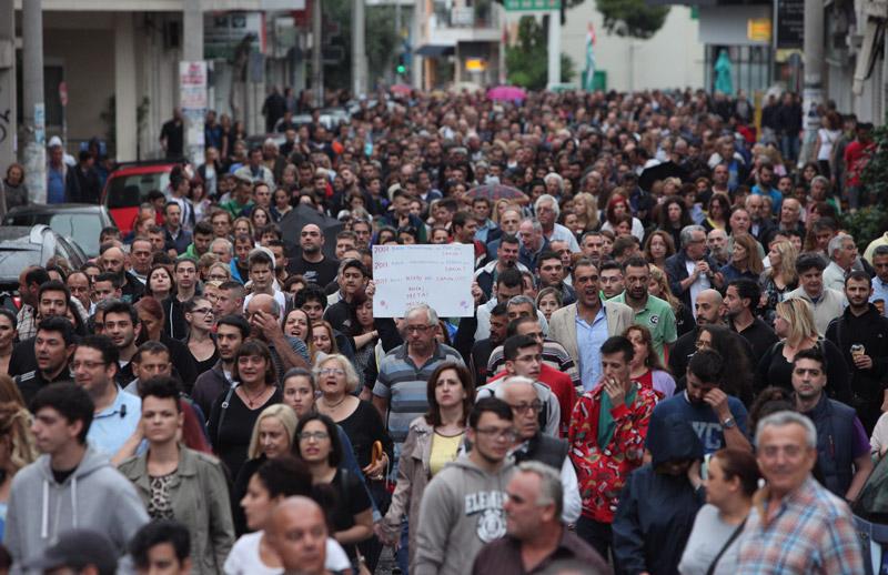 Ξεσηκωμός και οργή του κόσμου για το χάος στο Μενίδι με τους Ρομά - Εικόνα 0