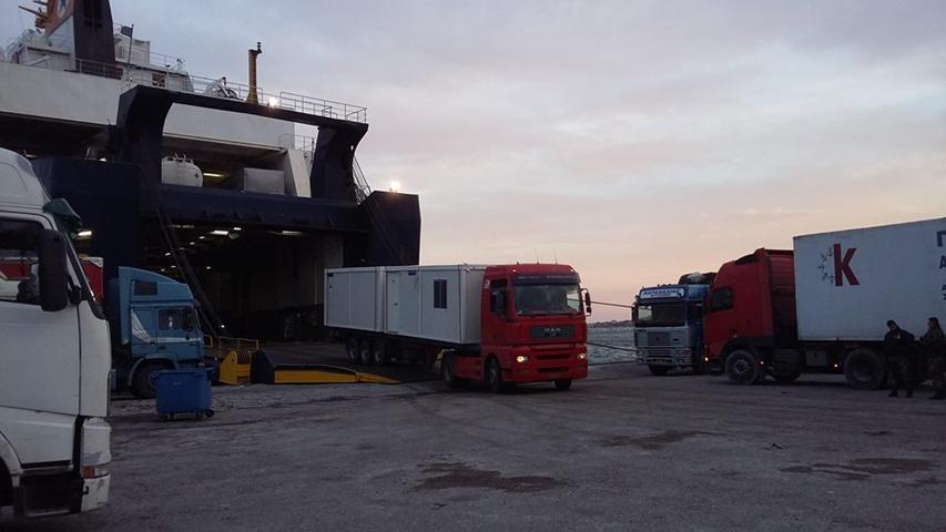 Λέσβος: Απέκλεισαν τα κοντέινερ που έστειλε ο Μουζάλας για τη στέγαση μεταναστών - Εικόνα 1