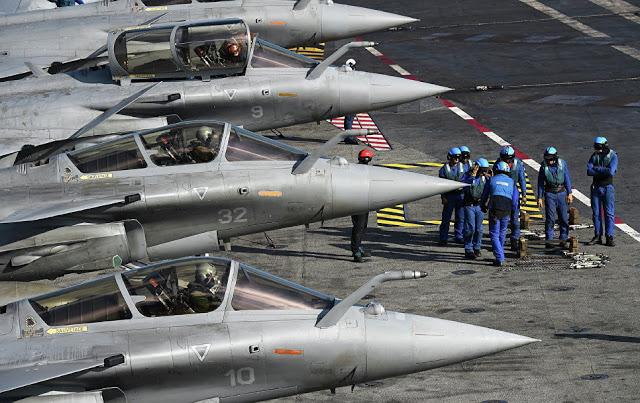 Ο Macron θέλει ανεξαρτησία: είναι έτοιμος να βομβαρδίσει  τη Συρία, χωρίς τη συγκατάθεση του Trump - Εικόνα2