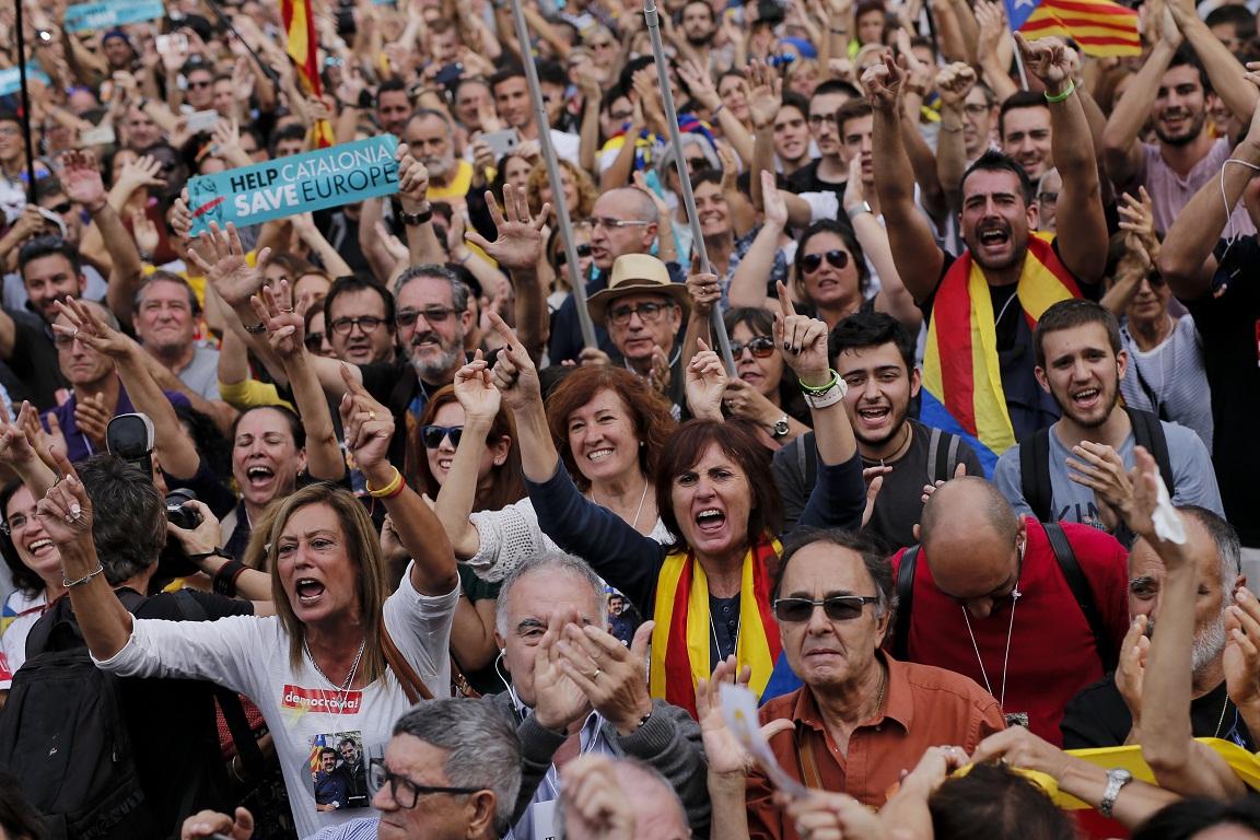 Η Μαδρίτη έβαλε την Καταλονία σε καθεστώς «κηδεμονίας» - Εικόνα 4