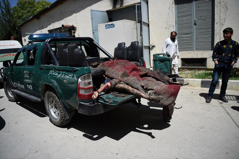 Μακελειό στην Καμπούλ: 80 νεκροί και 350 τραυματίες από έκρηξη παγιδευμένου οχήματος - Εικόνα 4