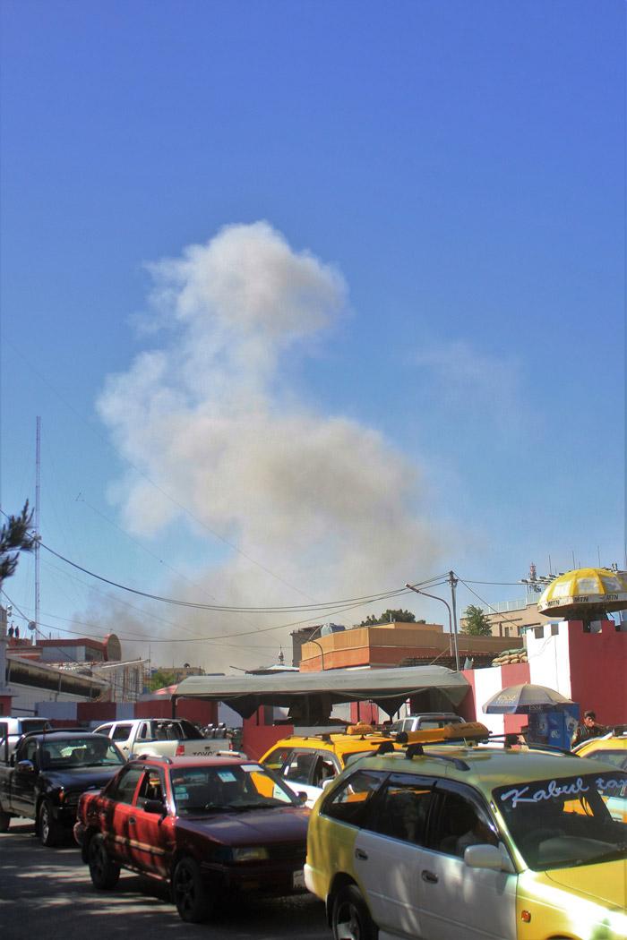 Μακελειό στην Καμπούλ: 80 νεκροί και 350 τραυματίες από έκρηξη παγιδευμένου οχήματος - Εικόνα 5
