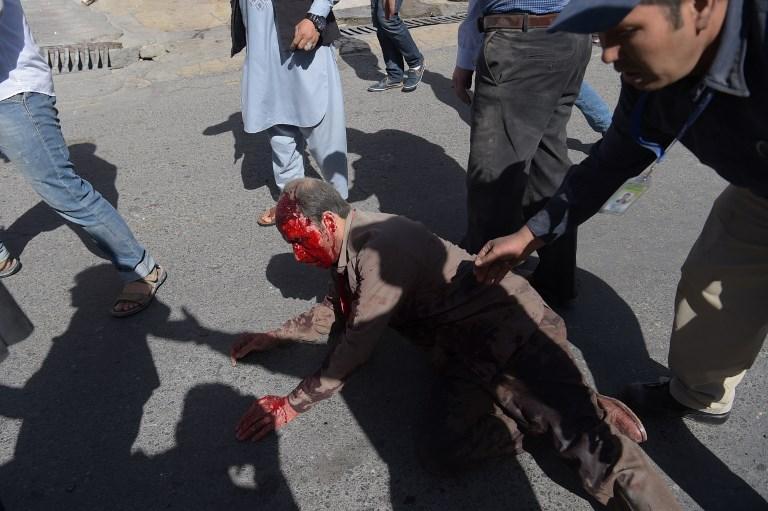 Μακελειό στην Καμπούλ: 80 νεκροί και 350 τραυματίες από έκρηξη παγιδευμένου οχήματος - Εικόνα 6