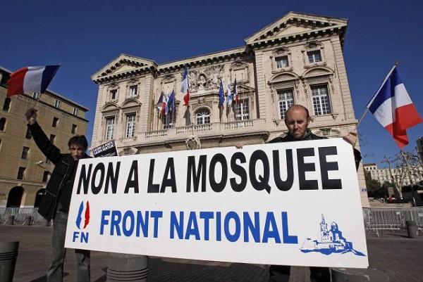 Για την μεγαλειώδη αντι-ισλαμική συγκέντρωση στη Γαλλία ακούσατε σε κανένα βοθροκάναλο; - Εικόνα1